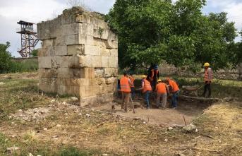 Tarihi yapılar gün yüzüne çıkıyor