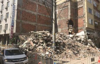 Zarar gören bina tahliye edildi