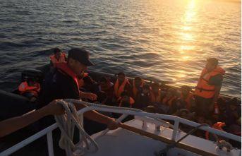 Enez açıklarında 35 düzensiz göçmen