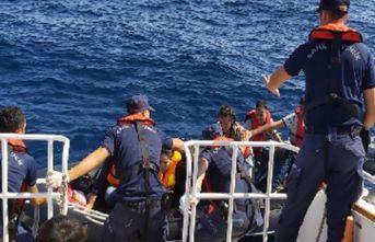 Enez açıklarında 16 göçmen