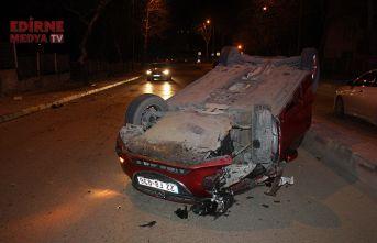 Kaza yaptığı aracını bırakıp gitti