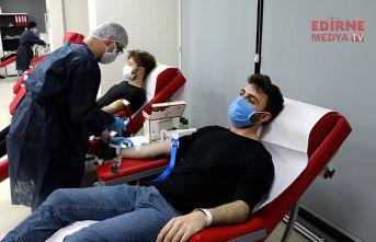 Yabancı öğrencilerden Kan desteği