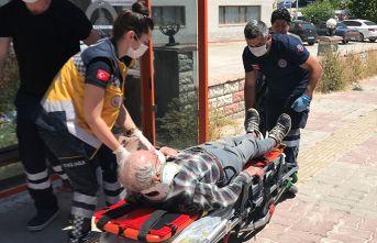 90 yaşındaki sürücü aracıyla kaza yaptı