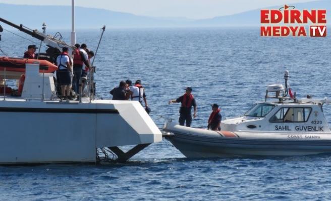 Botta fenalaştı, sahil güvenlik kurtardı