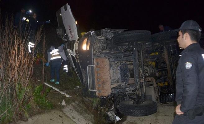 Otomobil polis memuruna çarptı!