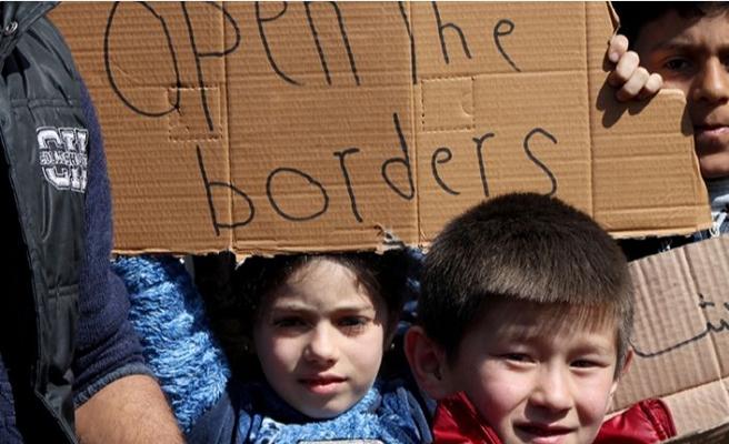 """Çocuklardan """"sınırları açın"""" çağrısı"""