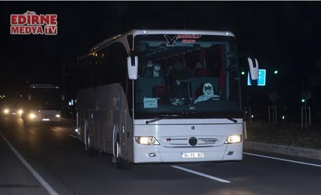 Karantinaya alınan gemideki Türk yolcular getirildi