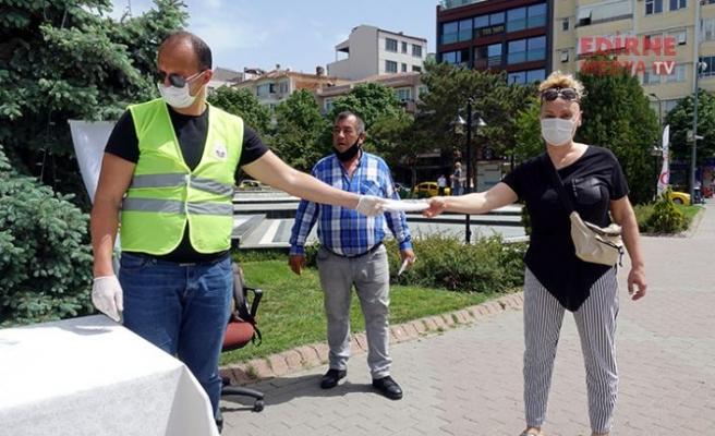 30 bin maske dağıtıldı