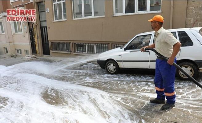 Edirne'de sokaklar dezenfekte ediliyor