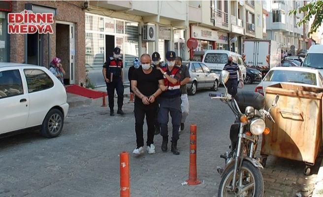 Silah tüccarı 2 kişi tutuklandı!