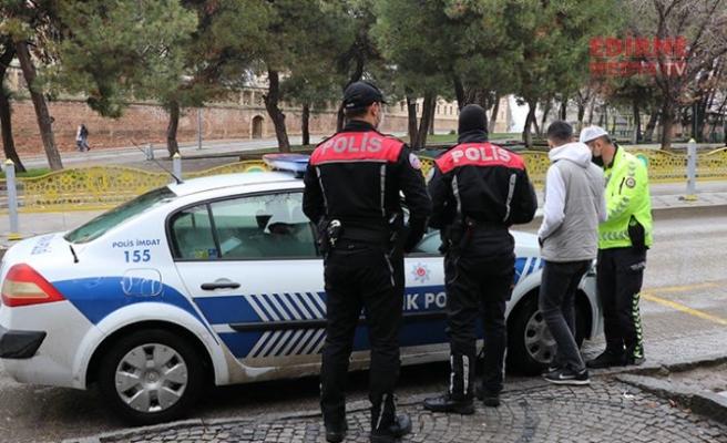 Yoklama kaçağı sürücü polise yakalandı