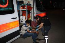 Göçmenleri taşıyan midibüs otoparka daldı