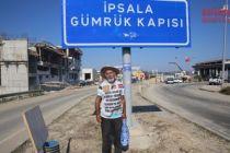 Oğlu için bin 200 kilometre yürüdü
