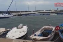Tekneler battı