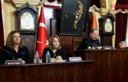 Meclis üyeleri siyahlara büründü