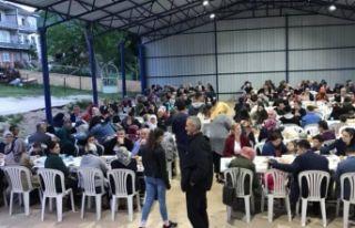 500 kişiye iftar verdi