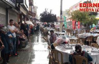 Büyük iftara yağmur engeli