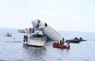 Dev uçak batırıldı