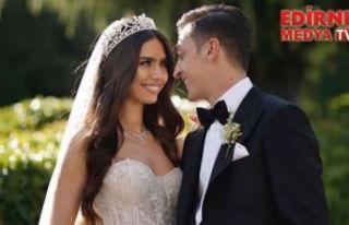 Mesut Özil ile Amine Gülşe evlendi