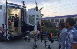 Ambulansa trenle taşındı