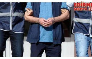 Üç avukata FETÖ gözaltısı