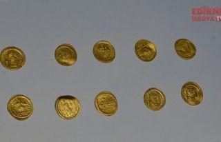 Bin 700 yıl önceye ait sikkeler