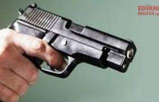Enez'de silahlar konuştu; 3 yaralı