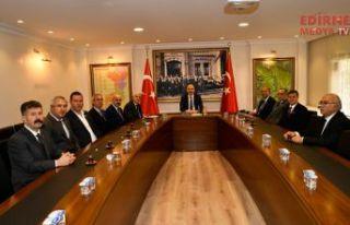 Muhtarlardan Mehmetçiğe destek