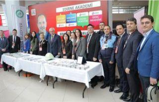 Edirne Belediyesi standına büyük ilgi