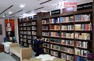 Kitaplar dezenfekte ediliyor