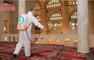 Camiler cuma namazına hazırlanıyor