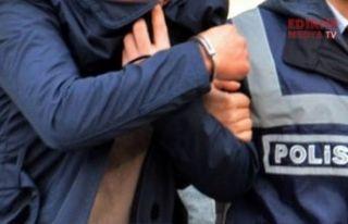 Eski akademisyen gözaltına alındı