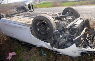 Göçmenleri taşıyan araç kaza yaptı