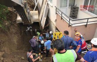 Toprak altında kalan işçiler kurtarıldı