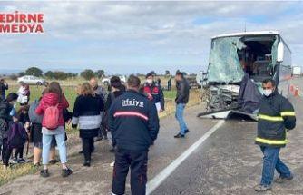 Turistleri taşıyan otobüs kaza yaptı!