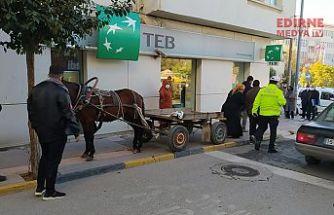At arabasına ceza yazıldı