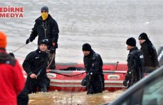 Gölete düşen araçtaki bir kişinin cesedine ulaşıldı