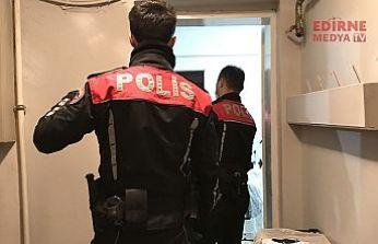 Kumar oynarken Polis bastı