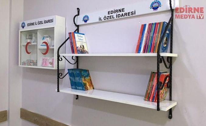 Köylere Ecza Dolabı ve Kitaplık